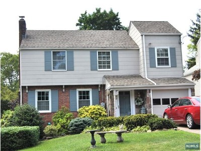 Tenafly Single Family Home For Sale: 90 Surrey Lane