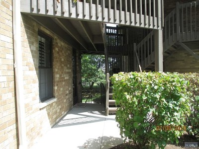 Little Falls Condo/Townhouse For Sale: 181 Long Hill Road #8-15