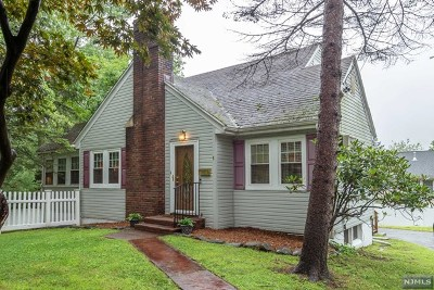 Essex County Single Family Home For Sale: 8 Woodside Road
