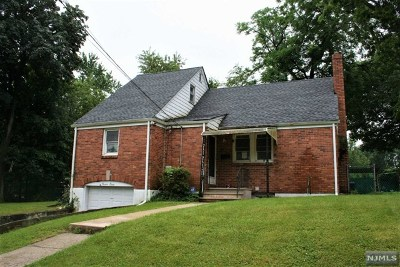 Teaneck Single Family Home For Sale: 78 Englewood Avenue