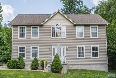 West Milford Single Family Home For Sale: 28 Ormond Road