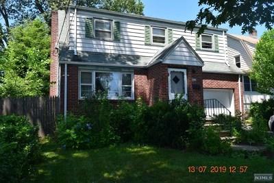 Dumont Single Family Home For Sale: 272 Manhattan Terrace