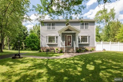Passaic County Single Family Home For Sale: 60 Deerfield Road