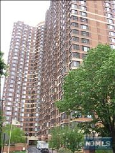 Fort Lee Condo/Townhouse For Sale: 100 Old Palisade Road #1009