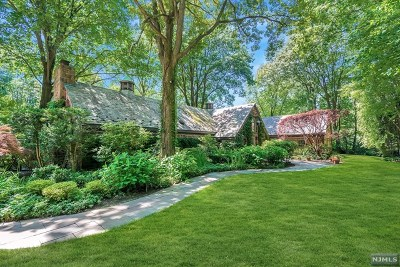 Tenafly Single Family Home For Sale: 40 Malcolm Court