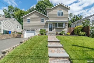 Pompton Lakes Single Family Home For Sale: 247 Walnut Avenue