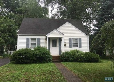 Ridgewood Single Family Home For Sale: 370 Deerfield Street