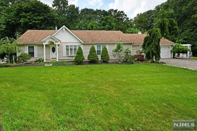North Haledon Single Family Home For Sale: 63 Wayne Avenue