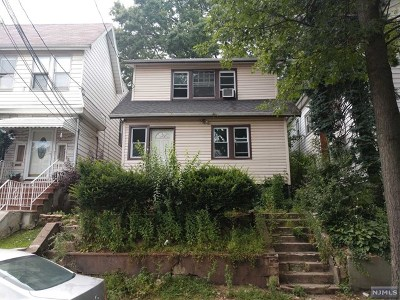 Essex County Single Family Home For Sale: 319 Smith Street