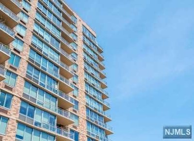 Edgewater Condo/Townhouse For Sale: 215 Hudson Park