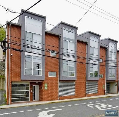 Hudson County Condo/Townhouse For Sale: 8917 Old River Road #7