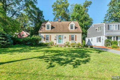 Midland Park NJ Single Family Home For Sale: $525,000