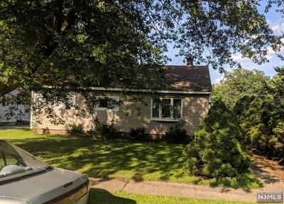Pompton Lakes Single Family Home For Sale: 1525 Washington Avenue