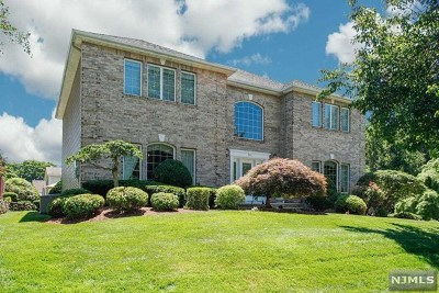 Bergen County Single Family Home For Sale: 501 Manning Court