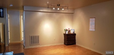 Fort Lee Condo/Townhouse For Sale: 366 Village Court