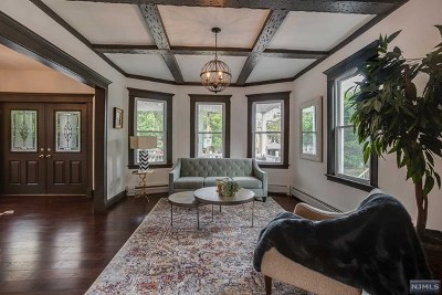 Ridgefield Park Single Family Home For Sale: 88 Overpeck Avenue