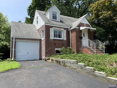 Fair Lawn Single Family Home For Sale: 13-14 Eastern Drive