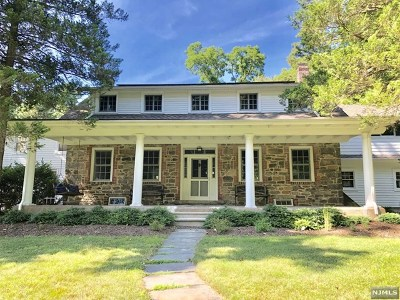 Mahwah Single Family Home For Sale: 81 Youngs Road