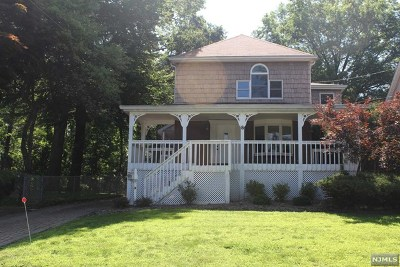 Essex County Single Family Home For Sale: 8 Forest Avenue