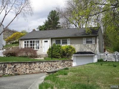 Morris County Single Family Home For Sale: 30 Windbeam Road
