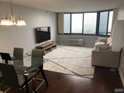 Fort Lee Condo/Townhouse For Sale: 1265 15th Street #17b