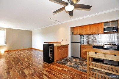 North Bergen NJ Condo/Townhouse For Sale: $129,000