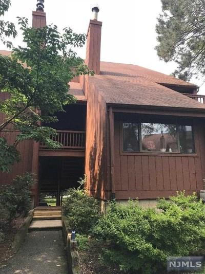 Secaucus NJ Condo/Townhouse For Sale: $385,000