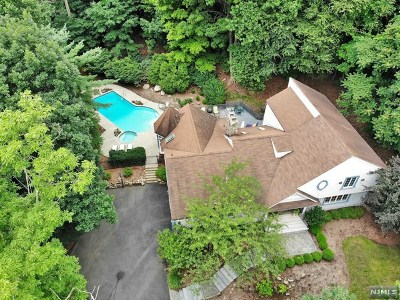 Franklin Lakes Single Family Home For Sale: 634 Pawnee Lane