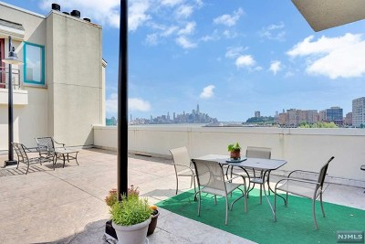 Hudson County Condo/Townhouse For Sale: 600 Harbor Boulevard #1022-112