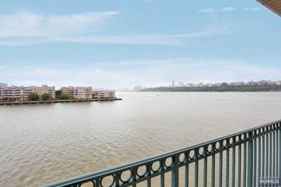Edgewater NJ Condo/Townhouse For Sale: $545,000