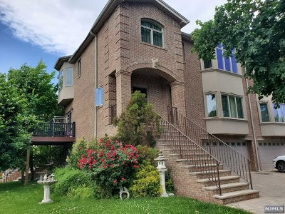 Bergen County Condo/Townhouse For Sale: 235 Highland Avenue #A