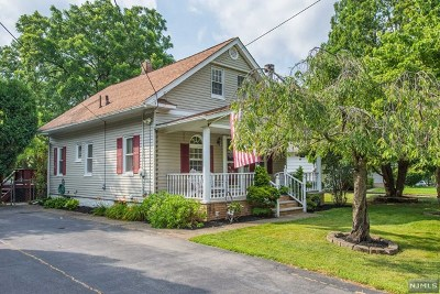 Wanaque Single Family Home For Sale: 4 Grove Street