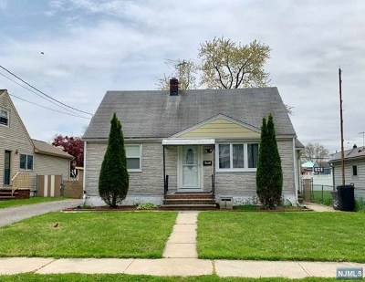 Elmwood Park Single Family Home For Sale: 200 Roosevelt Avenue