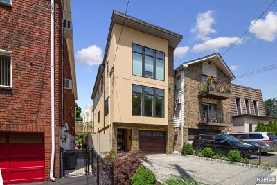 Bergen County Condo/Townhouse For Sale: 327 Gorge Road