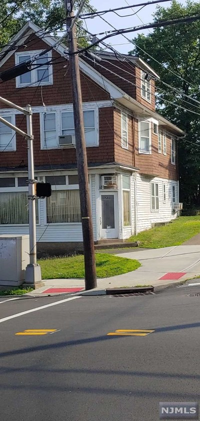 Passaic County Multi Family 2-4 For Sale: 557-561 West Broadway