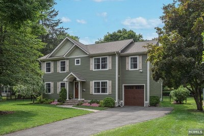 Bergen County Single Family Home For Sale: 64 Pershing Avenue