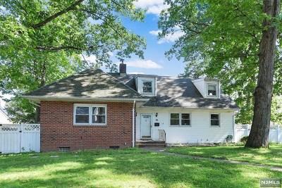 Teaneck Single Family Home For Sale: 26 Stuyvesant Road