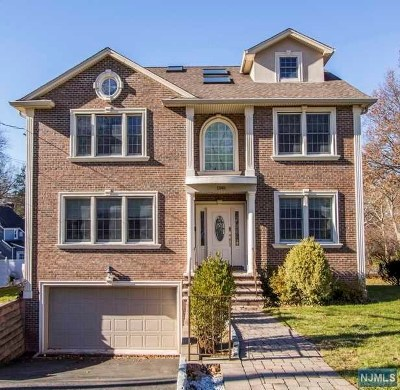 Teaneck Single Family Home For Sale: 1340 Mercedes Street
