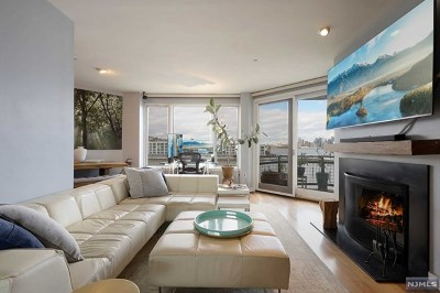 Weehawken NJ Condo/Townhouse For Sale: $499,000