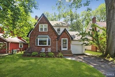 Teaneck Single Family Home For Sale: 851 Belle Avenue