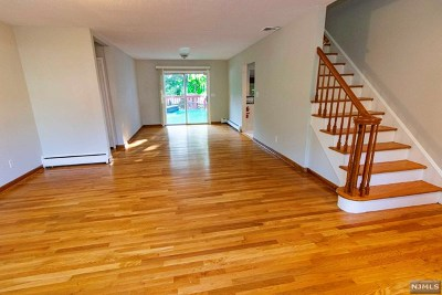 Fair Lawn Single Family Home For Sale: 378 North Plaza Road