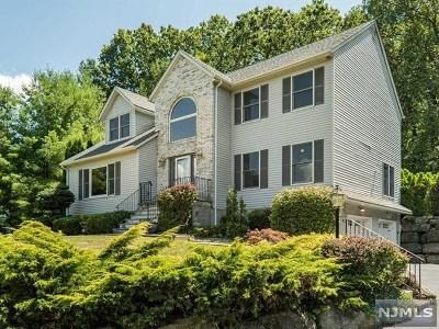Bloomingdale Single Family Home For Sale: 11 Woodlot Road
