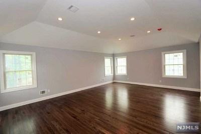 Mahwah Single Family Home For Sale: 34 Avenue A