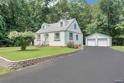 Westwood Single Family Home For Sale: 102 Pascack Road
