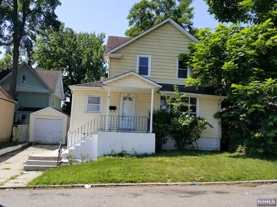 Teaneck Single Family Home For Sale: 14 Orchard Street