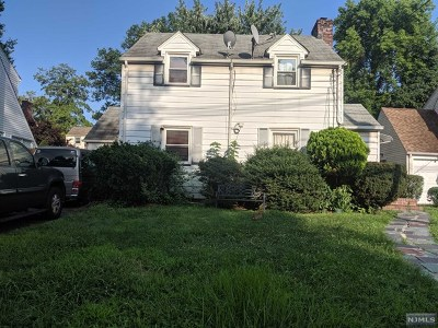 Teaneck Single Family Home For Sale: 1375 River Road