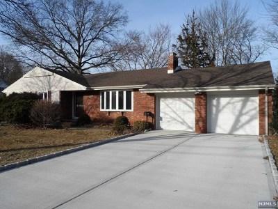 Oradell Single Family Home For Sale: 588 Schaefer Avenue