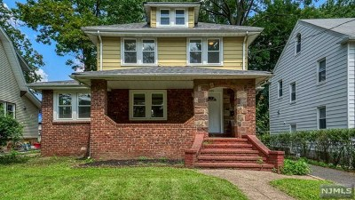 Teaneck Single Family Home For Sale: 121 Griggs Avenue