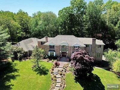 Upper Saddle River Single Family Home For Sale: 7 Oratam Road