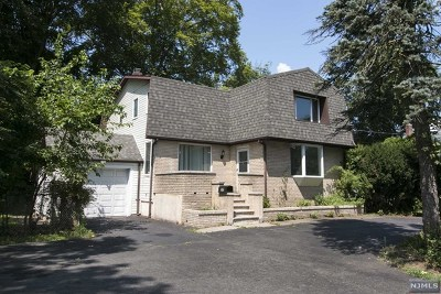 Paramus Single Family Home For Sale: 245 Forest Avenue